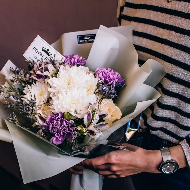 Заказать цветы с доставкой в петергоф купить канадские розы в спб